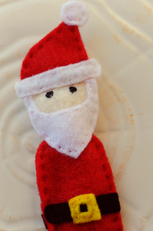 santa finger puppet rust & sunshine