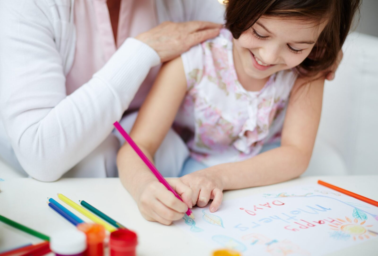 There are so many special and fun ways to celebrate Mother's Day in the classroom. This post is filled with 10+ ideas and activities for kids to recognize mom and grandparents. Make a simple, hand-made gift, such as a card, craft, or directed drawing portrait or have a special event and invite mom.